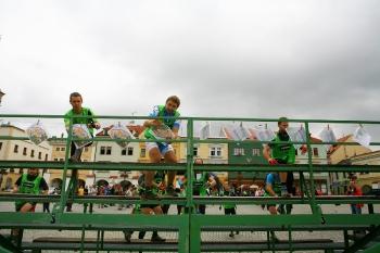 08 - Sprintje naar de kaart van de proloog in het centrum van Kroměříž