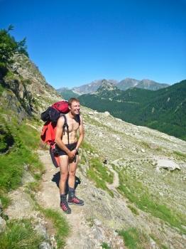 02 - Niels in zijn aanloop tenue
