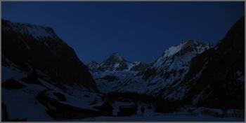 16 - Aan het eind van de dag, een dal verderop.
